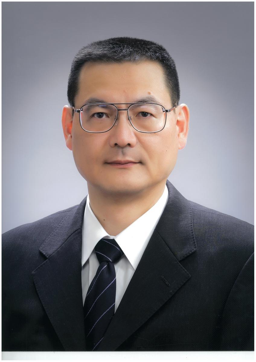 校長 加藤 秀昭